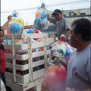 Donación de juguetes por el día del niño