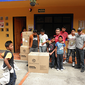 Donación de cobertores 2012