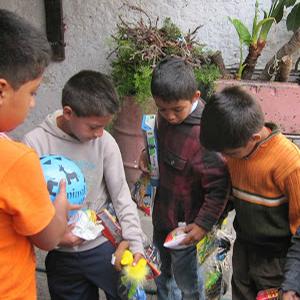 Donación de juguetes 2011
